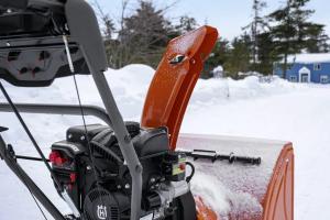Снегоотбрасыватель Husqvarna ST 124 9704493-02 При покупке снегоуборщика масло в подарок!_2